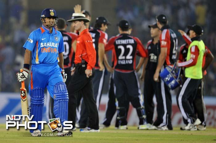 The wickets of Virat Kohli (35) and Suresh Raina, who fell for a duck, gave India some nervous moments in the middle.