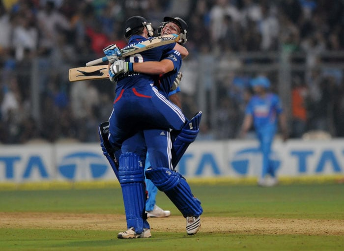 Both then hit sixes and fours at opportune moments to eat away at India's total. Morgan with 49 off 26 and Buttler with an equally important 15 off 7 hit normal cricketing shots and never slogged. (Photo credit: BCCI)