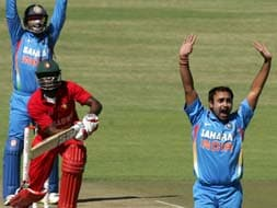Photo : India defeat Zimbabwe in opening ODI