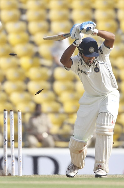 Murali Vijay and Wriddhiman Saha share the 11th spot in our rankings simply because it would be unfair to put Saha below Vijay. Both these two players failed in the first innings at Nagpur. Saha, who got to know about his sudden Test debut after Rohit Sharma injured himself before the start of the match, got a duck in the first innings and 36 runs in the second. Vijay, on the other hand, made 4 and 32.<br><br>However, Saha had to pave way for VVS Laxman in the second Test, whereas Vijay made just 7 runs.