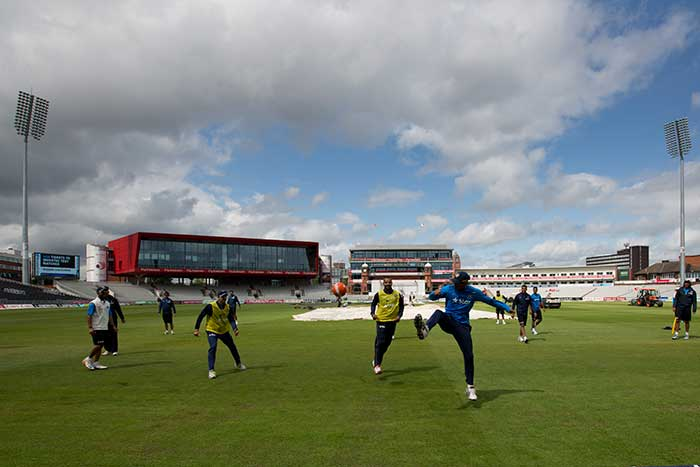 Under clear skies in Manchester, the battle between England and India is expected to keep fans on the edge of their seats through the course of the five days.
