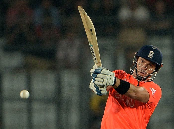 England opener Michael Lumb (36) played his part in the run-chase but failed to lead his side till the end.