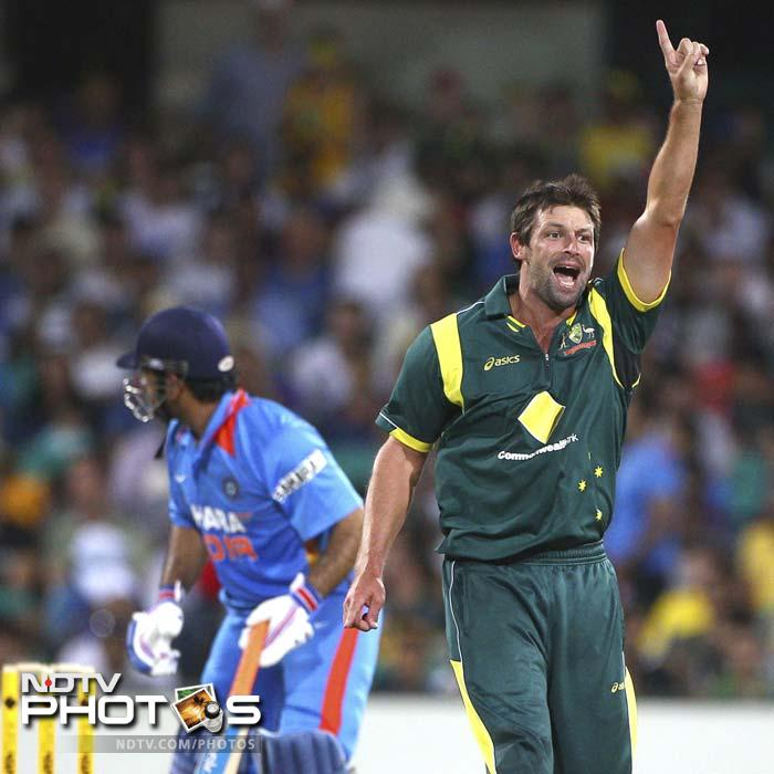 It was all over in the 40th over with India being thrashed for 165. Australia earned a rather easy passage into the CB Series final with the win.