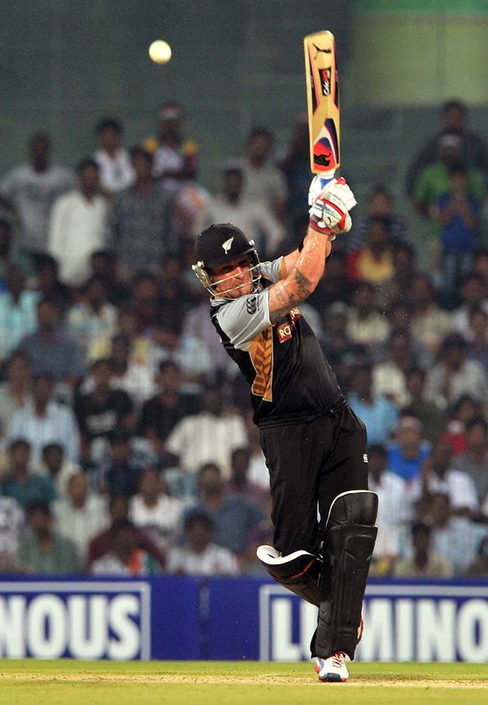McCullum's 91 off 55 had 11 boundaries and 3 sixes. It took New Zealand to 167.