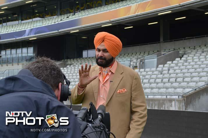Navjot Singh Sidhu can never be missed! Here he is as a part of a sports channel commentary team.