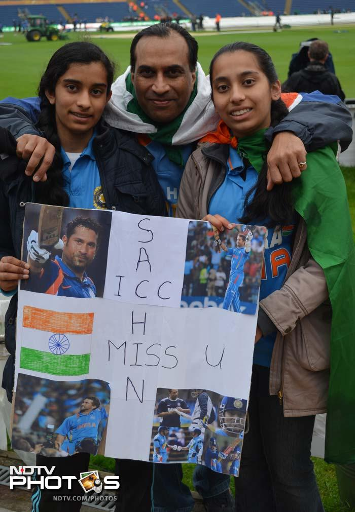 It doesn't matter if he is playing or not, but Sachin Tendulkar's supporters are always seen cheering him and Team India.