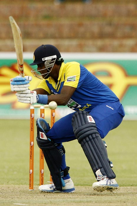 Sri Lankan batsman Angelo Mathews plays a shot in the second match of the Micromax Cup Triangular One-Day International series at Queens Sports club in Bulawayo . (AFP Photo)