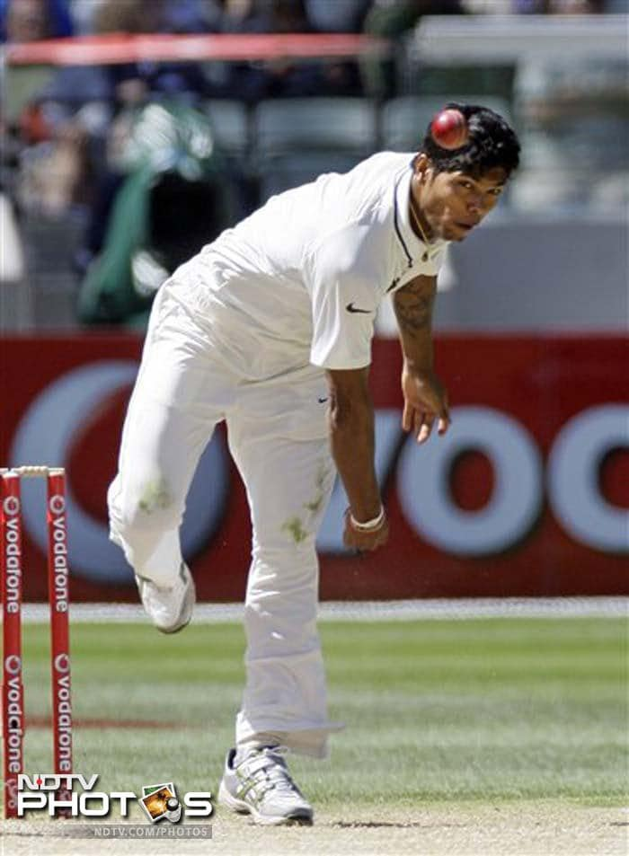 Umesh Yadav of India bowls during Day 3 of the first Test match against Australia at the Melbourne Cricket Ground in Melbourne. (AP Photo)