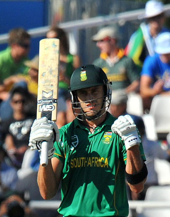 South African Francois du Plessis celebrates a good shot during the third one day International played against South Africa in Cape Town, South Africa. (AFP Photo)