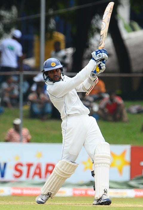 Sri Lankan cricketer Tillakaratne Dilshan plays a stroke during the first day of the third Test match between Sri Lanka and India at the P. Sara Oval International Cricket Stadium in Colombo. (AFP Photo)