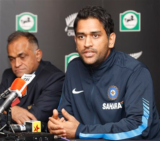 Mahendra Singh Dhoni, right, and manger Niranjan Shah attend a press conference after the team's arriving at Christchurch airport on Friday, February 20, 2009. (AP Photo)