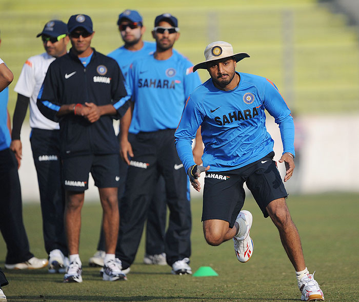 Harbhajan Singh trains during a practice session at the Sher-e Bangla National Stadium in Dhaka. (AFP Photo)