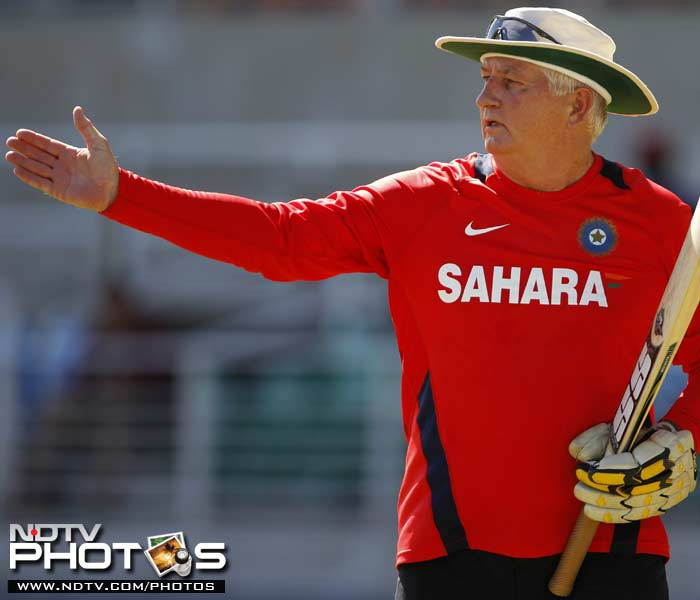 Indian coach Duncan Fletcher conducts a catching drill during a practice session in Kingston, Jamaica. (AP Photo)