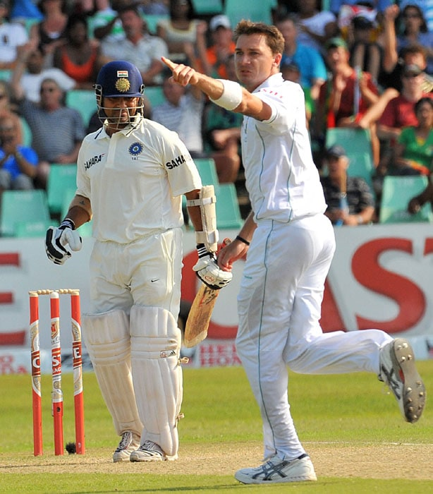 South African Dale Steyn celebrates dismissing India's Sachin Tendulkar for six runs during the second day of the second Test between South Africa and India at Kingsmead Stadium in Durban. (AFP Photo)