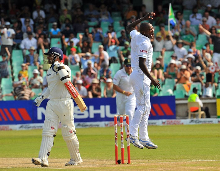 South African bowler Lonwabo Tsotsobe reacts after dismissing Indian Virender Sehwag for 32 runs on the second day of the second Test between South Africa and India at Kingsmead Stadium in Durban. (AFP Photo)