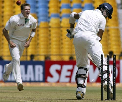 Dale Steyn ran through the Indian tail. He dismissed Sreesanth to complete five wickets in the innings.