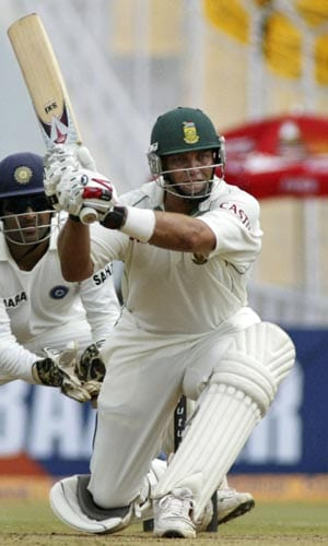 Jacques Kallis soon joined his partner in the three-figure club. He brought his 30th Test hundred up soon after lunch.