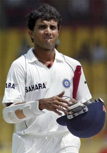 Sourav Ganguly played one of his classier Test innings but from the outset it was going to be for a losing cause. He made 87 before Dale Steyn had him caught behind.