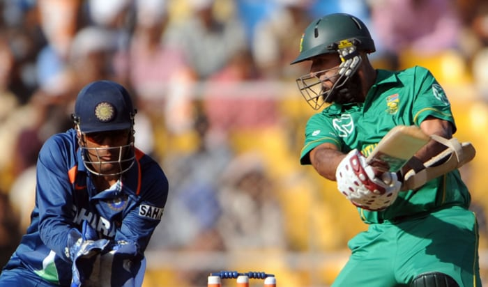 South Africa, playing for pride in the third ODI after having conceded a 2-0 lead to India, were given a rock-solid start by openers Loots Bosman (68 off 103) and Hashim Amla (87 off 46) who put on 113 runs after electing to bat first. (AFP Photo)