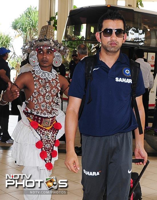 Gautam Gambhir arrives with his team in Colombo. (AFP Photo)