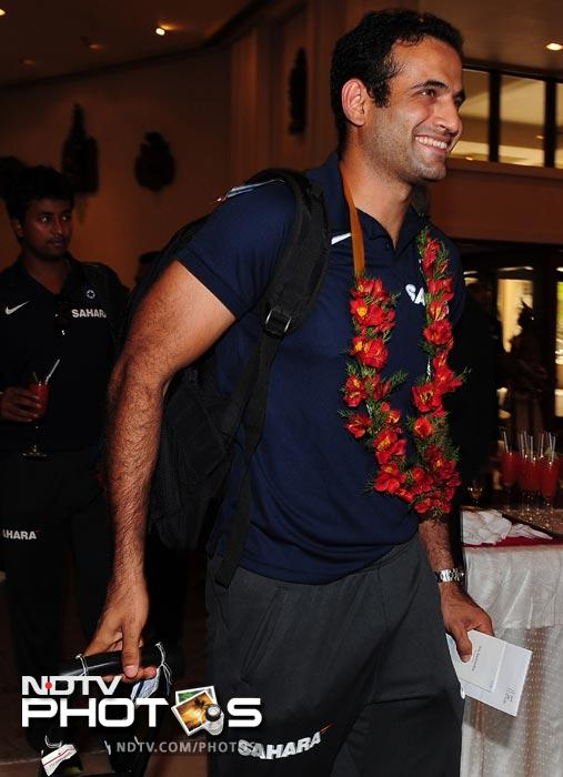 Irfan Pathan was his cheerful self as he arrives with his team in Colombo. (AFP Photo)