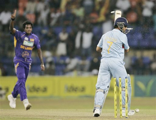 Dilhara Fernando celebrates as he bowled Indian captain Mahendra Singh Dhoni out during the 5th and final One-Day International between India and Sri Lanka on August 29, 2008.