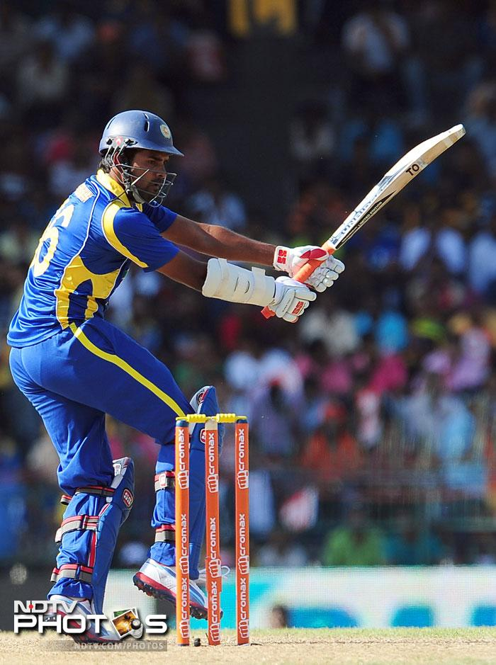 Lahiru Thirimanne fought hard in a crumbling middle-order to score 47 off 69 balls. He got out at the wrong time though, bowled by Ashwin.