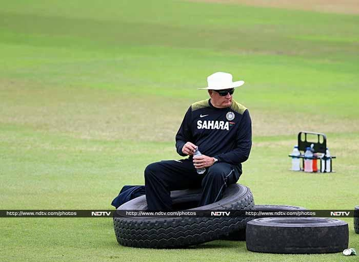 Is Duncan Fletcher deflated? Maybe he's just gathering his breath after Test cricket's greatest-ever draw at the Wanderers. India and South Africa do battle one last time to determine the winner of the series in Durban. (AFP image)