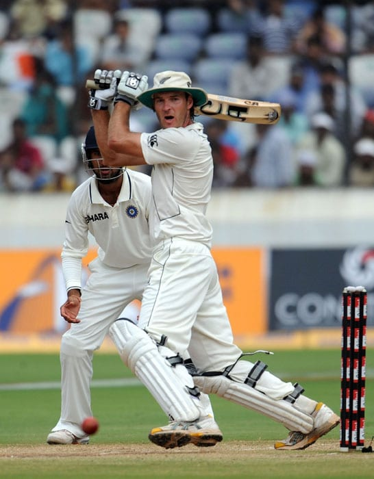 New Zealand cricketer Tim McIntosh plays a shot on the fourth day of the second Test match against India at Rajiv Gandhi International cricket stadium in Hyderabad on November 15, 2010. AFP PHOTO/Prakash SINGH