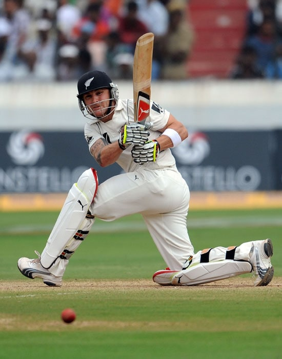 New Zealand cricketer Brendon McCullum plays a shot on the fourth day of the second Test match against India at Rajiv Gandhi International cricket stadium in Hyderabad on November 15, 2010. AFP PHOTO/Prakash SINGH