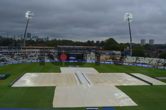 On Wednesday heavy rain forced the Australia vs New Zealand match to be called-off. Both sides shared a point each, which did no favours to Australia's chances of progressing to the semifinals.