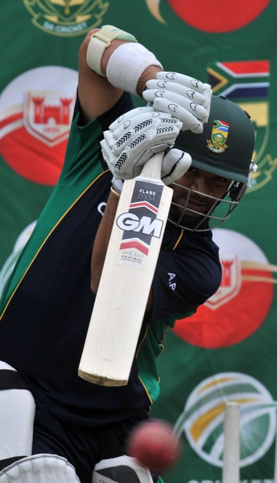 South African cricketer Ashwell Prince bats during at a training session at Super Sports Park in Centurion. (AFP Photo)