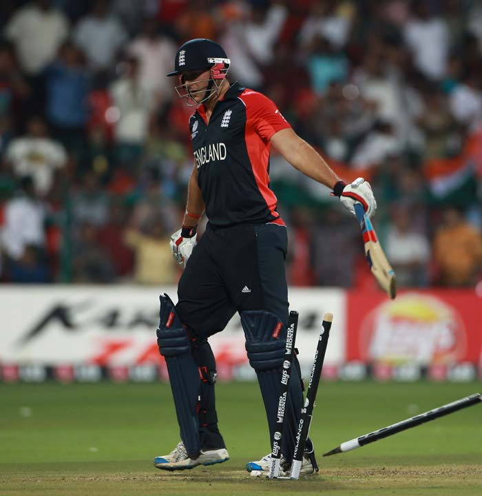 England looked dead and buried with 29 required off the last two overs but sixes from the bat of Shahzad, Swann and Bresnan meant that England had the target in sight. England continued to lose wickets which left them with 2 wickets in hand with 14 runs to get off the last over. (Getty Images)
