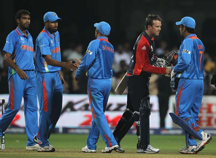 Swann could only manage a single run off the last ball ending the match in a tie. (Getty Images)