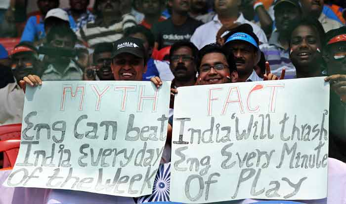 Indian cricket fans holding placards. (AFP Photo)