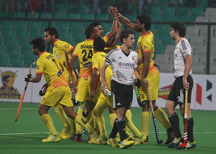 India came up with a spirited performance to draw with Olympic champions Germany 3-3 and register their first points at the Hockey World League Finals.
