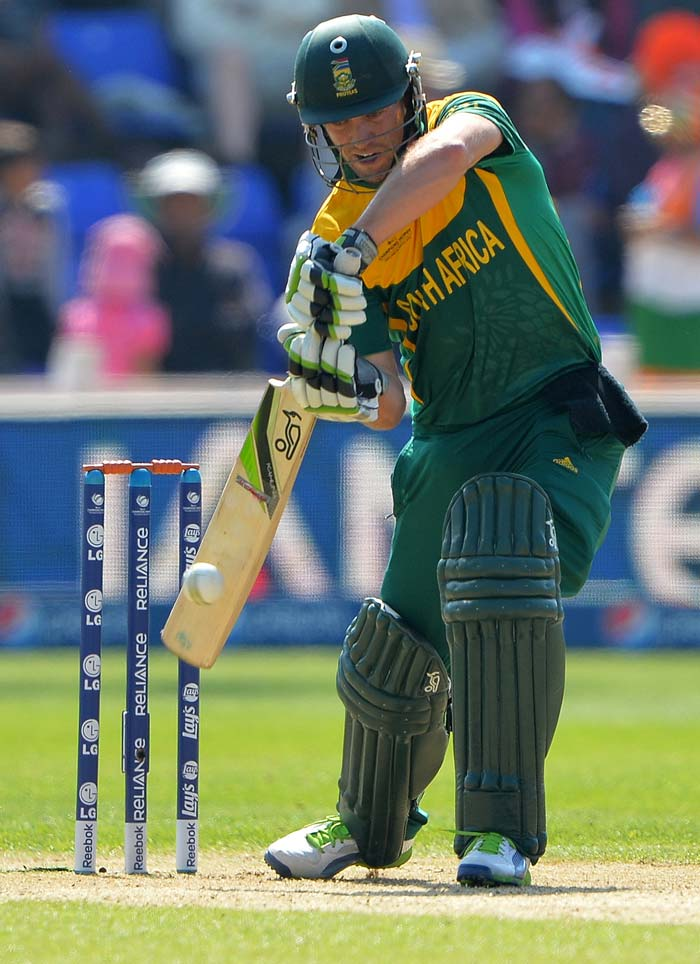 AB de Villiers came to the party with a good knock of 70.