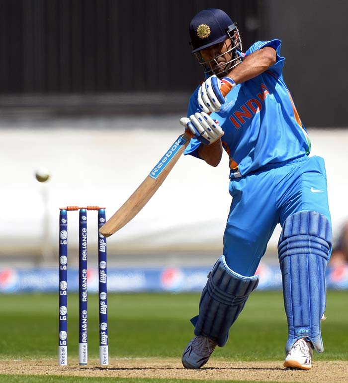 MS Dhoni scored 27 but fell in the death overs.