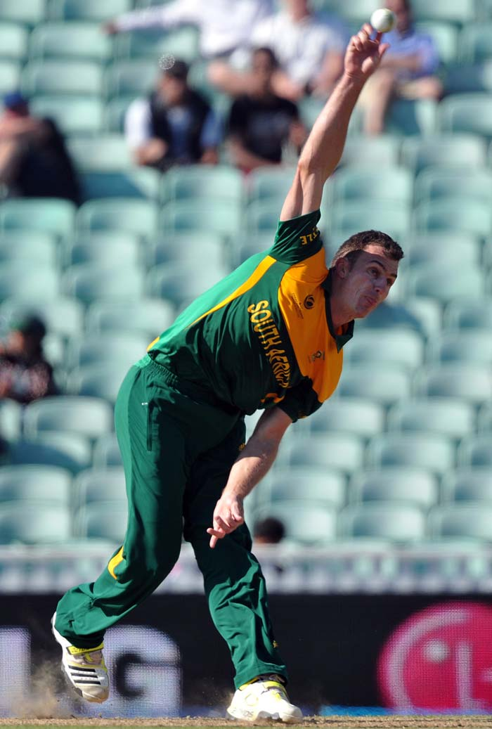 Ryan McLaren led the way for South Africa with 3 wickets.