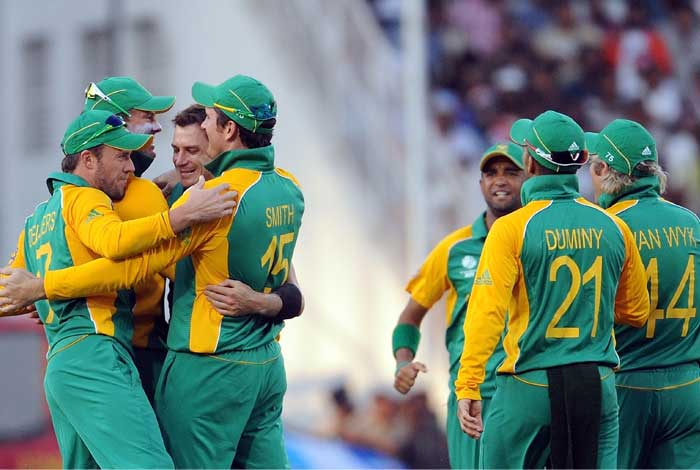 South Africa bowler Dale Steyn celebrates the wicket of Indian batsman Yusuf Pathan. (AFP Photo)
