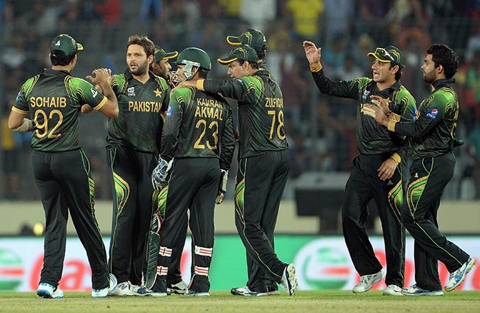 Pakistan eyed a comeback as they put an end to the Glenn Maxwell show in the 16th over. Maxwell walked back for a swashbuckling knock of 74 from 33 balls, including seven fours and six sixes.