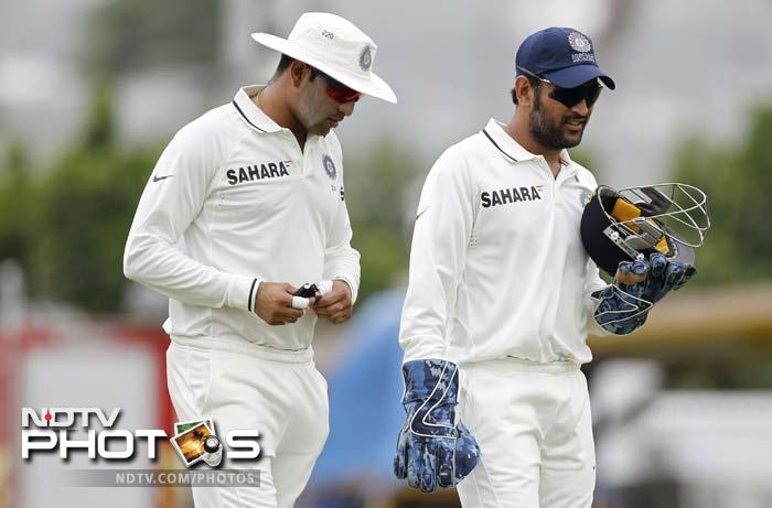Indian captain MS Dhoni will be looking to make up for the lost time on Day 3. (AP Photo)