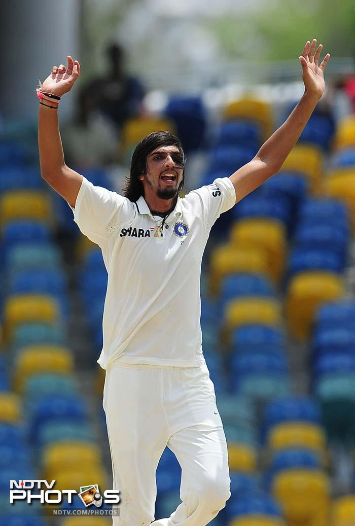 Before rain halted play, Ishant Sharma starred for India, taking the wickets of overnight batsmen, Ramnaresh Sarwan and Devendra Bishoo early on Day 2. (AFP Photo)