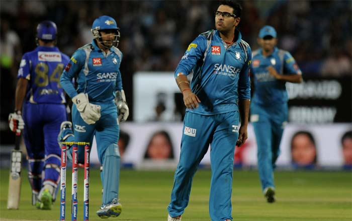After playing for Kings XI Punjab and erstwhile Pune Warriors India, Yuvraj Singh came back into the IPL auctions with a roar. <br><br>The south-paw was bought for a whooping INR 14 crores by Royal Challengers Bangalore.<br><br>Robin Uthappa (left of Yuvraj) was bought by Kolkata Knight Riders for INR 5 crores.