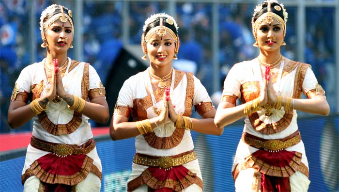 Pune Warriors cheerleaders, as usual in their traditional avatar, doing their last minute preparations in an IPL match. (BCCI image)