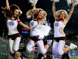 Photo : The cheering squad of IPL 6
