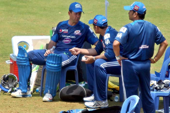Ricky ponting and Anil Kumble seems busy discussing techniques while Sachin tendulkar chose to watch his team mates practicing