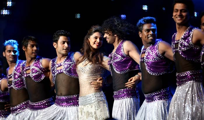 The night though was also lit up by the beautiful Deepika who danced her way into the hearts of all present. <br><BR>All in all, it was a fun-filled night before the rigours of cricketing action spanning 45 days. (Image courtesy BCCI)
