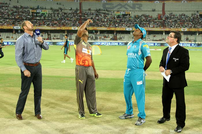 Some say it is a trend in IPL to win the toss and opt to field.<br><br>Pune followed the 'trend' when they chose to field against Sunrisers Hyderabad. Victory though eluded them when their batting collapsed on 104 and the match was conceded by 22 runs. (BCCI image)