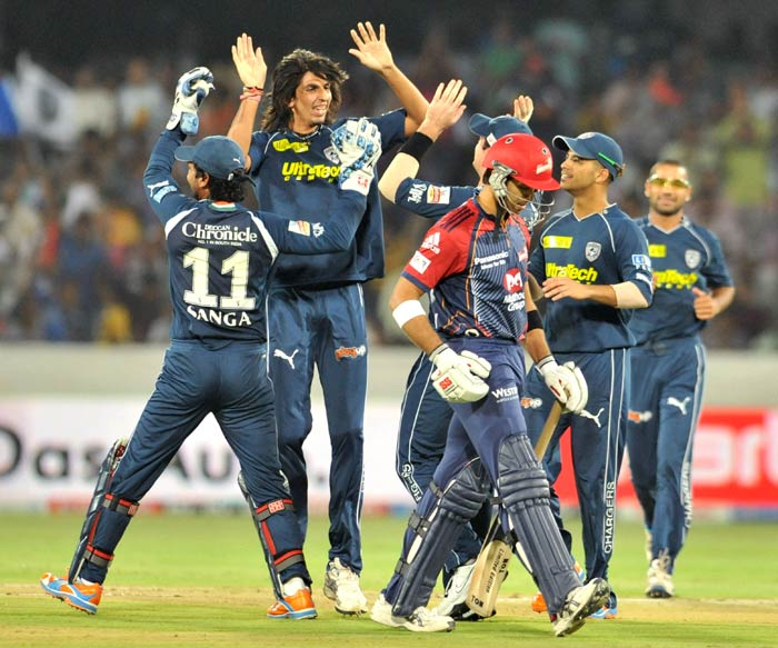 Ishant Sharma celebrates the wicket of Naman Ojha during the IPL Twenty 20 cricket match between the Deccan Chargers and the Delhi Daredevils at the Rajiv Gandhi International Stadium in Hyderabad. (AFP Photo)
